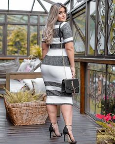 If you are just tired of searching the chic style and extremely stylish plus size winter outfits for your curvy figure read on to know about the graceful winter outfits for curvy women. Winter Outfits For Teen Girls, Stylish Winter Outfits, Winter Outfits Women, Curvy Women Fashion, Plus Size Fashion, Womens Fashion, Curvy Outfits, Plus Size Outfits, Belle Silhouette