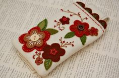 Custom iPhone Cozy by SewSweetStitches on Etsy Felted Wool Crafts, Felt Crafts, Fabric Crafts, Felt Phone Cases, Felt Case, Felt Embroidery, Felt Applique, Penny Rugs, Sewing Accessories