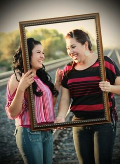 Sisters picture idea- gotta get a frame!