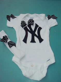 Little fans are always the cutest! Check out this NY Yankee's onsie for only $14.00.. WOW!! Great price!