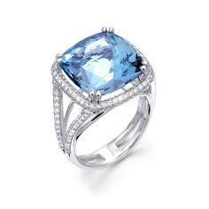 Gorgeous Aqua ring with diamonds