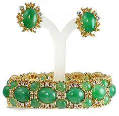 Panetta faux jade set http://www.vintagecostumejewelryaddiction.com/vcja2897.html