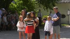 15/07-2018 Crown Princess Mary and Crown Prince Frederik were together with their four children Christian, Isabella, Josephine and Vincent when one of the year's great summer events in Sønderjylland began Sunday at noon. The Crown Prince family at Gråsten Castle went to greet the Ringrider Association's annual big horse and bike event. It was a great event with lots of glorious highlights, and many riders gave flowers to the Royal Family