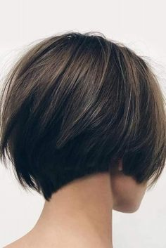 Brilliant Ideas to Wear Cute Short Hair ★ See more: http://lovehairstyles.com/wear-cute-short-hair/