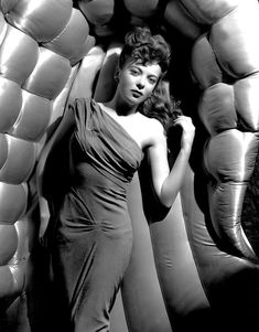 Ida Lupino - Hollywood Actress and Legend - 24 Trading Cards Set Hollywood Icons, Golden Age Of Hollywood, Hollywood Glamour, Hollywood Actresses, Classic Hollywood, Old Hollywood, Actors & Actresses, Classic Actresses, Hollywood Fashion