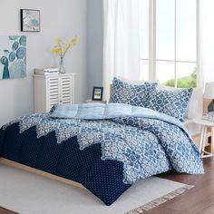 Intelligent Design Tia Reversible Comforter Set in Blue