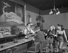 IMAGE UPDATE: Bar at The Gaslight Club in Chicago, 1950s [Need to acquire from Corbis-U1098482A: £161 FOR 5 YEARS]