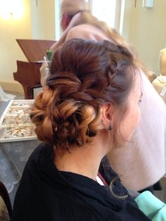Perfect bridal hair by La Chia  www.la-chia.de #hair #updo #hochsteckfrisur #bridalhair #brautfrisur #flechten #dutt