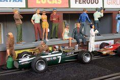Slot Car Race Track, Slot Car Racing, Slot Cars, Race Tracks, Slot Car Tracks, Thirty Two, Classic Toys, Formula One, Scale Models