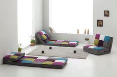 Puf cama modelo Vilanova con tapizado patchwork. Disfruta de esta nueva experiencia de relax de la forma que prefieras.