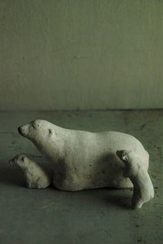 Polar bears by Antos. #ceramic