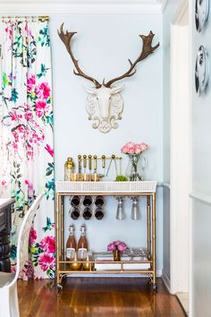 A Visit to the Glamour Nest: At Home with Designer Jess McClendon | Rue