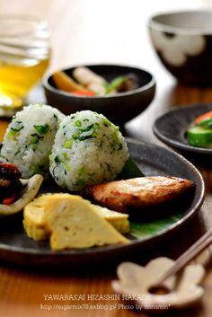 Green Mixed Onigiri (Rice Ball) Lunch 菜飯おにぎり