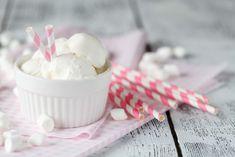 Domáca zmrzlina z penových cukríkov (len z 3 surovín) | Recepty.sk Marshmallow, Icing, Ice Cream, Desserts, Ice Cream Maker, Garnishing, Marshmallows, Ice Creamery, Postres