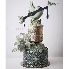Crazy Cakes, Fancy Cakes, Gorgeous Cakes, Pretty Cakes, Amazing Wedding Cakes, Amazing Cakes, Fondant Cakes, Cupcake Cakes, Metallic Cake