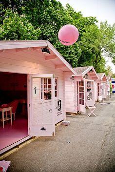 Tiny Pink Houses  Casas pequeñas de color Rosa