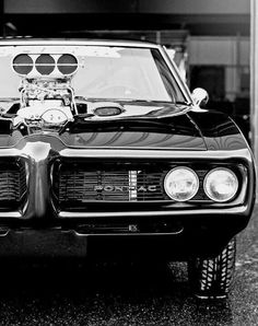 Muscle Cars - this reminds me of the Pontiac firebird Frank had that was one of our first cars, God, we were about 17 and 19 years old. Muscle Cars Vintage, Vintage Cars, Pontiac Firebird, Pontiac Gto, Pontiac 2017, Sweet Cars, Car Wheels, American Muscle Cars, Rat Rods