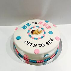 """14 Cakes That Will Make You Say, """"I Didn't Realize How Horrifying Giving Birth Was Until I Saw That Buttercream Labia"""" Birth Cakes, I Saw, Giving, Cake Ideas, Birthday Cake, Gender, Make It Yourself, Desserts, Tailgate Desserts"""