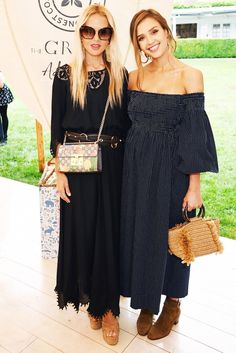 Jessica Alba's recent looks in the Hamptons prove that gingham and straw bags can TOTALLY help you transition your wardrobe for the fall.