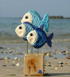 New Photos clay pottery fish Thoughts Poterie poissons bleus support bois Clay Wall Art, Clay Art, Ceramic Pottery, Ceramic Art, Mode Collage, Cerámica Ideas, Clay Fish, Pottery Store, Driftwood Crafts