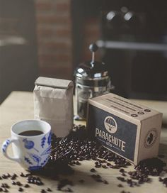 An introduction to Parachute Coffee, Canada's new monthly subscription delivery service for freshly roasted coffee and an FBC Member Opportunity. Fresh Coffee, Coffee Love, Coffee Break, Iced Coffee, Tea Subscription Box, Meat Box, Coffee Origin, Coffee Today, Coffee Health Benefits