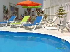 Poolside apartment in private villaVacation Rental in Nazare from Places To Rent, Home And Away, Outdoor Furniture, Outdoor Decor, Ideal Home, Sun Lounger, Condo, Villa, Vacation