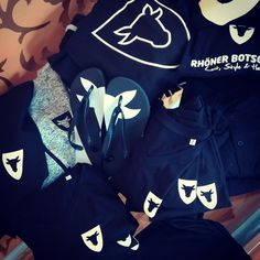 Seit heute sind wir alle geOXt, unsere neue Mitarbeiterbekleidung ist da! Unter http://shop.spreadshirt.de/rhoenerbotschaft/ gibts den LeistStyle für alle.
