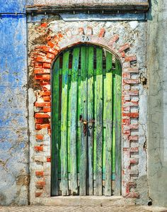 ○ Door / Gate in Alcacer-do-Sal, Portugal Cool Doors, Unique Doors, Entrance Doors, Doorway, Alcacer Do Sal, When One Door Closes, Door Gate, Closed Doors, Door Knockers
