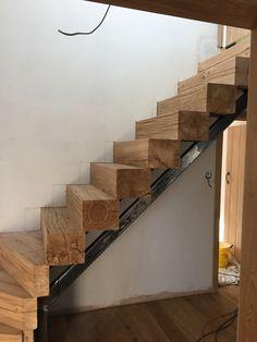 Rustic Staircase, Modern Stair Railing, Timber Staircase, Modern Stairs, Staircase Design, Interior Stairs, Interior Exterior, Home Interior Design, Basement Remodel Diy