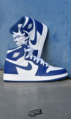 The Jordan 1 Retro OG BG 'Storm Blue' dropped in and is blowing your min… - Sneakers Dr Shoes, Cute Nike Shoes, Swag Shoes, Nike Air Shoes, Hype Shoes, Shoes Sneakers, Girls Sneakers, Blue Sneakers, Jordan Shoes Girls