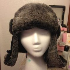 I just discovered this while shopping on Poshmark: Beanie  Ear-flap Neck Protection. Check it out!  Size: L