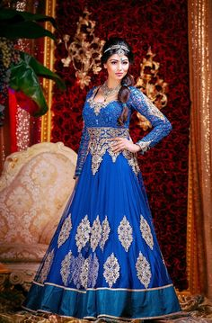 While Disney-themed weddings are quickly becoming popular nowadays, trying to pull the concept off in a traditional Indian wedding continues to be a challenge. South Asian couture bridal gallery, 'Wellgroomed Designs', just solved that challenge with these beautiful Disney-inspired dresses that make use of saris and thousands of jewelry. Wanting to show how other ethnicities […]