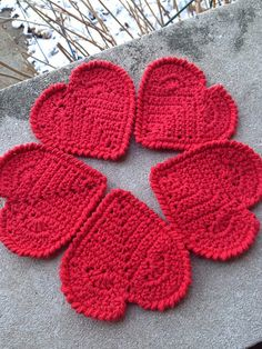 Ravelry: LHarmon's Valentine Heart Coaster. Pattern here: http://www.redheart.com/free-patterns/valentine-heart-coaster ❤CQ #crochet #hearts #valentines    http://www.pinterest.com/CoronaQueen/crochet-hearts/