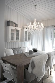 Minus the fur, I want my house to look like that!
