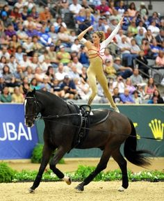 Vaulting stand I want to this coming year in my freestyle. Trick Riding, Horse Love, Equestrian Style, Horse Art, Vaulting, Horse Stuff, Carpe Diem, Dressage, Beautiful Horses