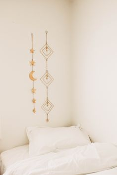 Lady Scorpio   @Ladyscorpio101 ☽☽ ladyscorpio101.com ☆ Perfect Bedroom Decor for the Hippie at heart ♡ Alexa Halladay designing a Boho Bungalow - Tapestry with Copper Fairy Lights! Including Moon Phase Wall Hangings!