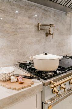 Dream Home Design, Home Interior Design, Interior Decorating, House Design, Kitchen Dining, Kitchen Decor, Le Creuset, Kitchen Essentials, Kitchen Accessories