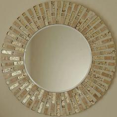 Buaitful mosaico hecho a mano del espejo por MirorMirorOnTheWall Cd Mosaic, Mosaic Tile Art, Mosaic Artwork, Mirror Mosaic, Diy Mirror, Mosaic Glass, Mosaic Flower Pots, Mosaic Pots, Free Mosaic Patterns