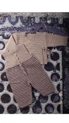 Strikkeopskrift | Trøje og buksedragt med striber