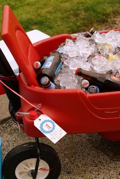 Wagon to serve drinks at a kid party