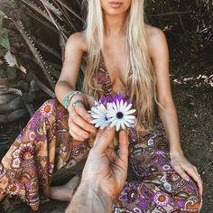 I like sunshine, festivals, raves, traveling, and feathers. I make jewelry:...