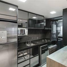 Kitchen Room Design, Luxury Kitchen Design, Contemporary Kitchen Design, Kitchen Cabinet Design, Kitchen Sets, Interior Design Kitchen, Kitchen Glass Doors, Handleless Kitchen, Brown Kitchens