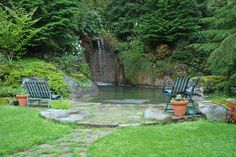 pond-like swimming pool