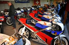 BRS Photoblog 4-2015 Sportbikes, superbikes, classics, custom motorcycles and caferacers!