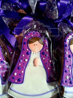 Galletas Virgencita Plis en tonos Lila Royal Icing Cookies, Cupcake Cookies, Sugar Cookies, Christmas Cake Decorations, Christmas Cookies, Cake Pops, I Love La, First Communion, Diy Projects To Try