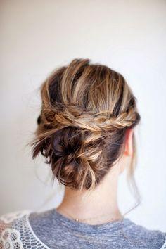 Coiffure simple cheveux long: tresse, chignon et queue de cheval en 21 idées