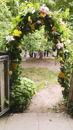 Gorgeous Floral Arch at Waldorf Steiner School   Mamanushka.com