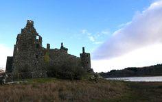Kilchurn Castle, Dalmally, Scotland (2016)   Close view