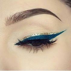 Blue and gold liner - Best Nail Art No Eyeliner Makeup, Skin Makeup, Beauty Makeup, Fresh Makeup, Makeup Goals, Makeup Inspo, Sexy Make-up, Eye Makeup Designs, Aesthetic Makeup