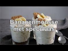 Rijpe bananen, slagroom, rietsuiker en speculaas. Meer heb je niet nodig voor Bananenmousse met speculaas. Super makkelijk. Super lekker. Mousse Dessert, High Tea, Parfait, Cheesecake, Oven, Deserts, Good Food, Food And Drink, Dessert Recipes